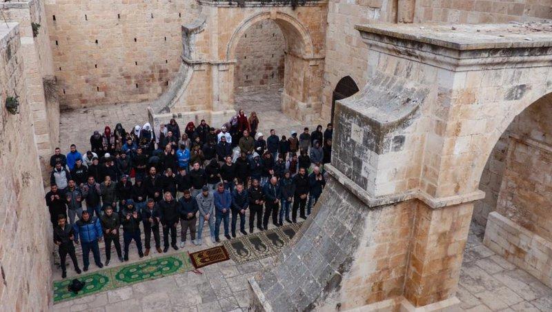 الحسيني: سيتم ترميم مصلى باب الرحمة رغم أنف الاحتلال