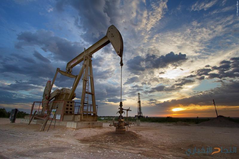 النفط يهبط وسط مخاوف بشأن الاقتصاد العالمي