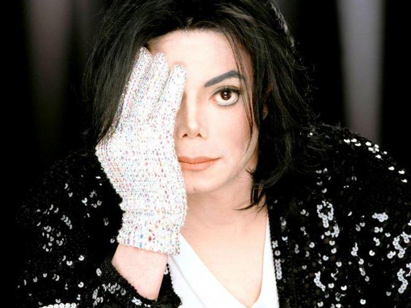 """""""دليل"""" بصوت مايكل جاكسون على انتهاكاته ضد الأطفال"""