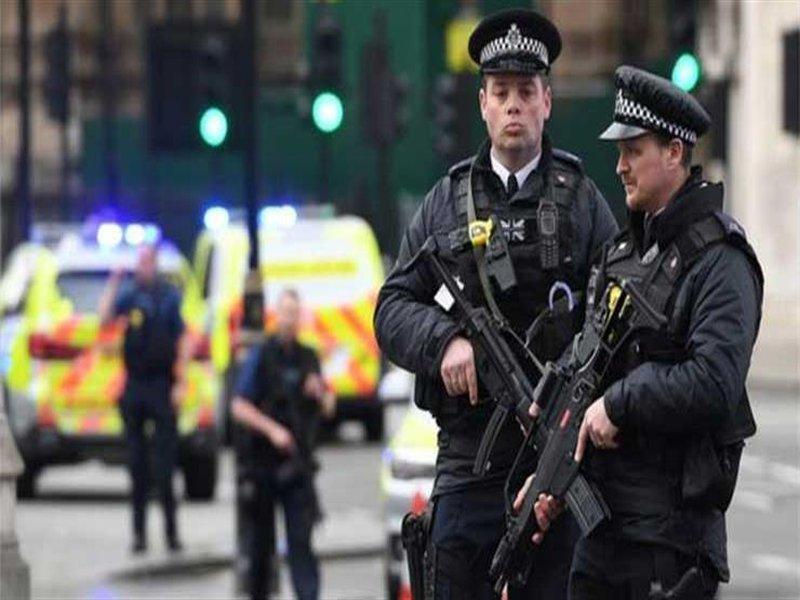 الشرطة البريطانية تعثر على طرود مشبوهة داخل جامعة ومصرف