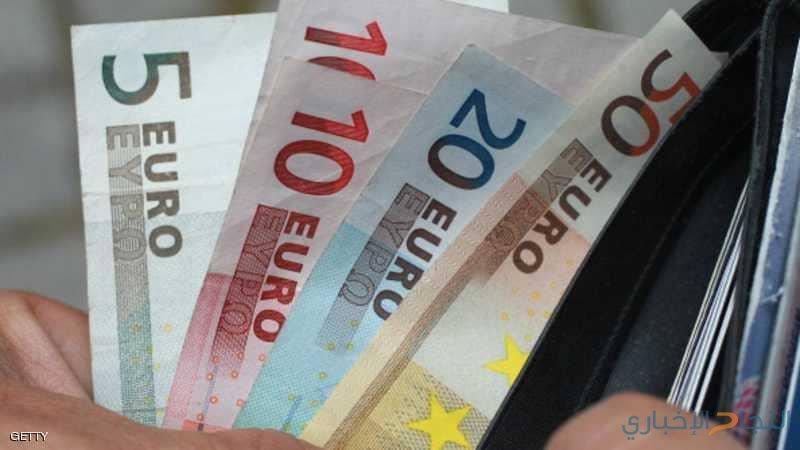 """ميزانية إيطاليا """"تؤذي"""" اليورو"""