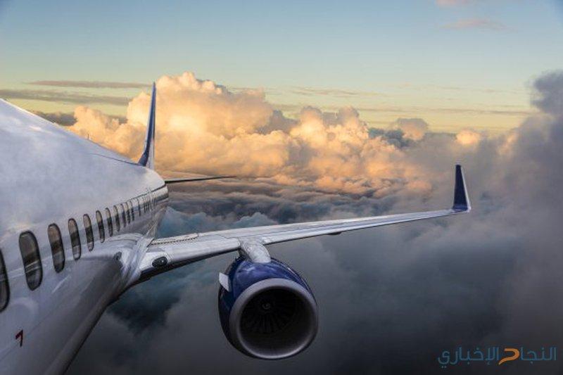 طيار سعودي يفاجأ بمشهد مرعب وهو يقود الطائرة بين السحب!