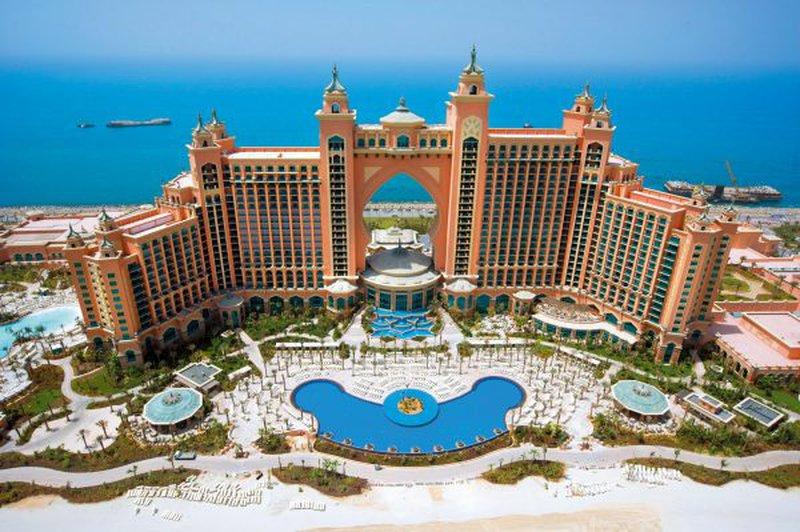 دبي: أغرب طلبات الأثرياء بفنادق ال5 نجوم على لسان موظفي الاستقبال