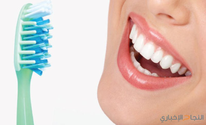 10 أشياء تضر أسنانك