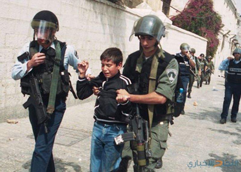 قوات الاحتلال تعتقل طفلاً بالقدس