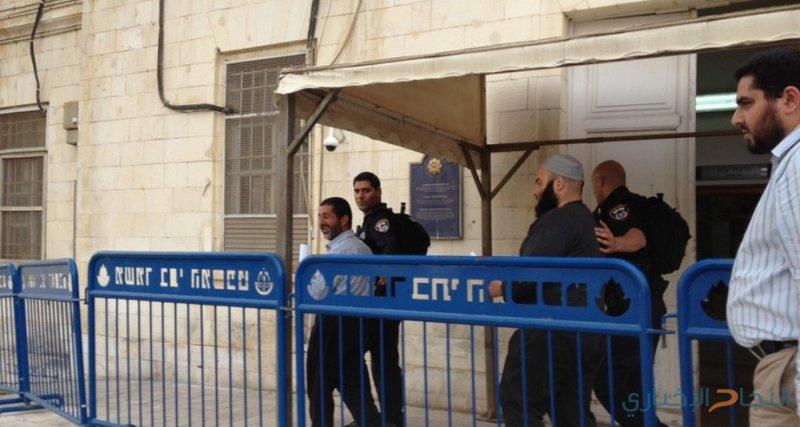 الأسرى الإداريون يعلنون مقاطعة محاكم الاحتلال
