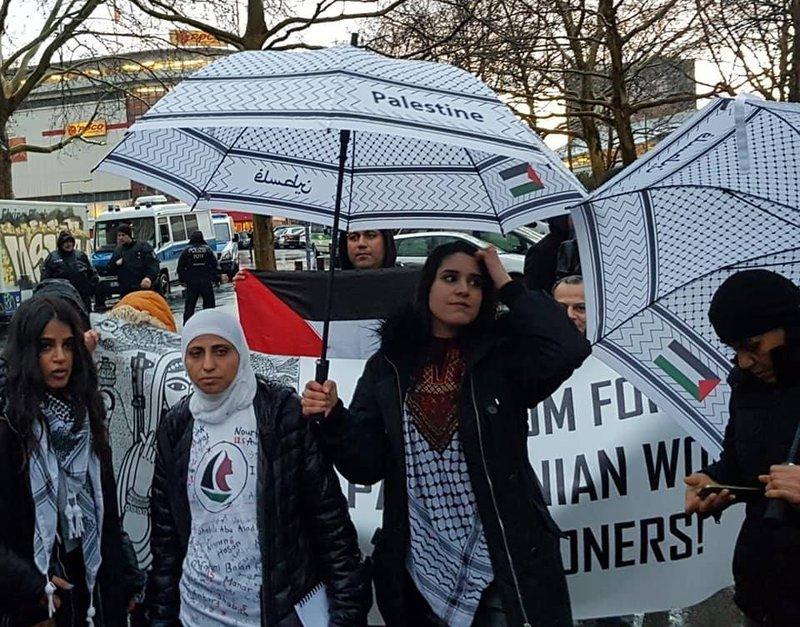 ألمانيا تبعد المناضلة الفلسطينية رسمية عودة
