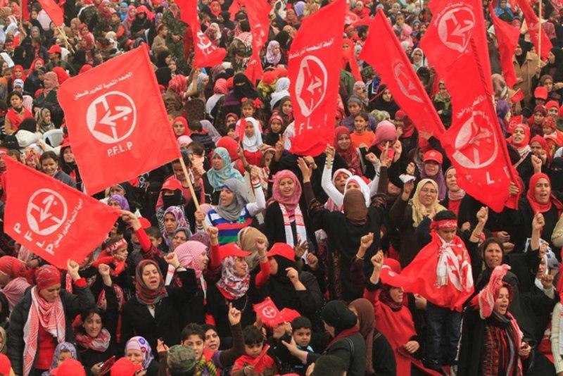 """""""الشعبية"""" تدعو حماس إلى الانحياز لنبض الشارع"""