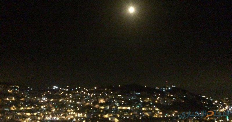 قوات الاحتلال تطلق قنابل إنارة شرق بيت حانون