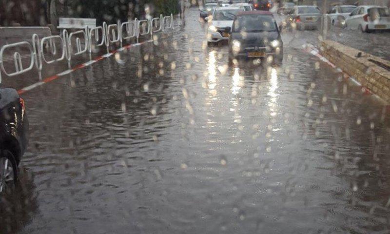 المنخفض الاخير يرفع معدل الامطار الى 113% بالضفة