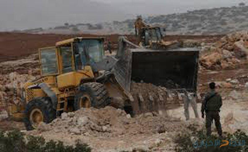 الاحتلال يشرع بتجريف أراضي شوفة