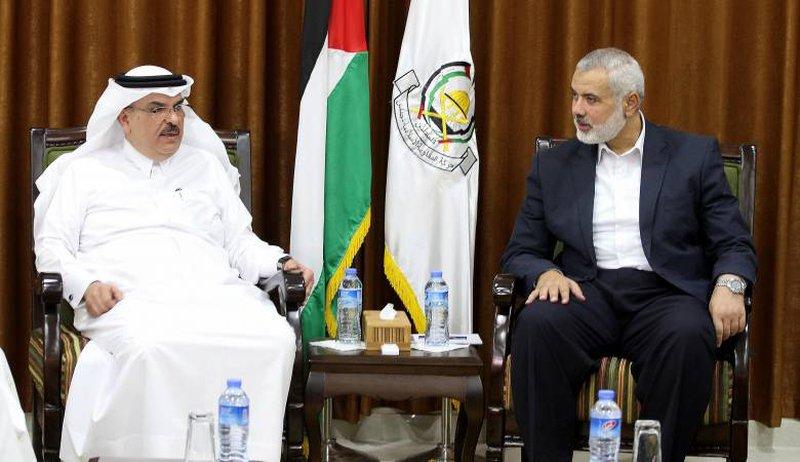 """محللان: حماس تساعد """"إسرائيل"""" على فصل غزة عن الضفة"""