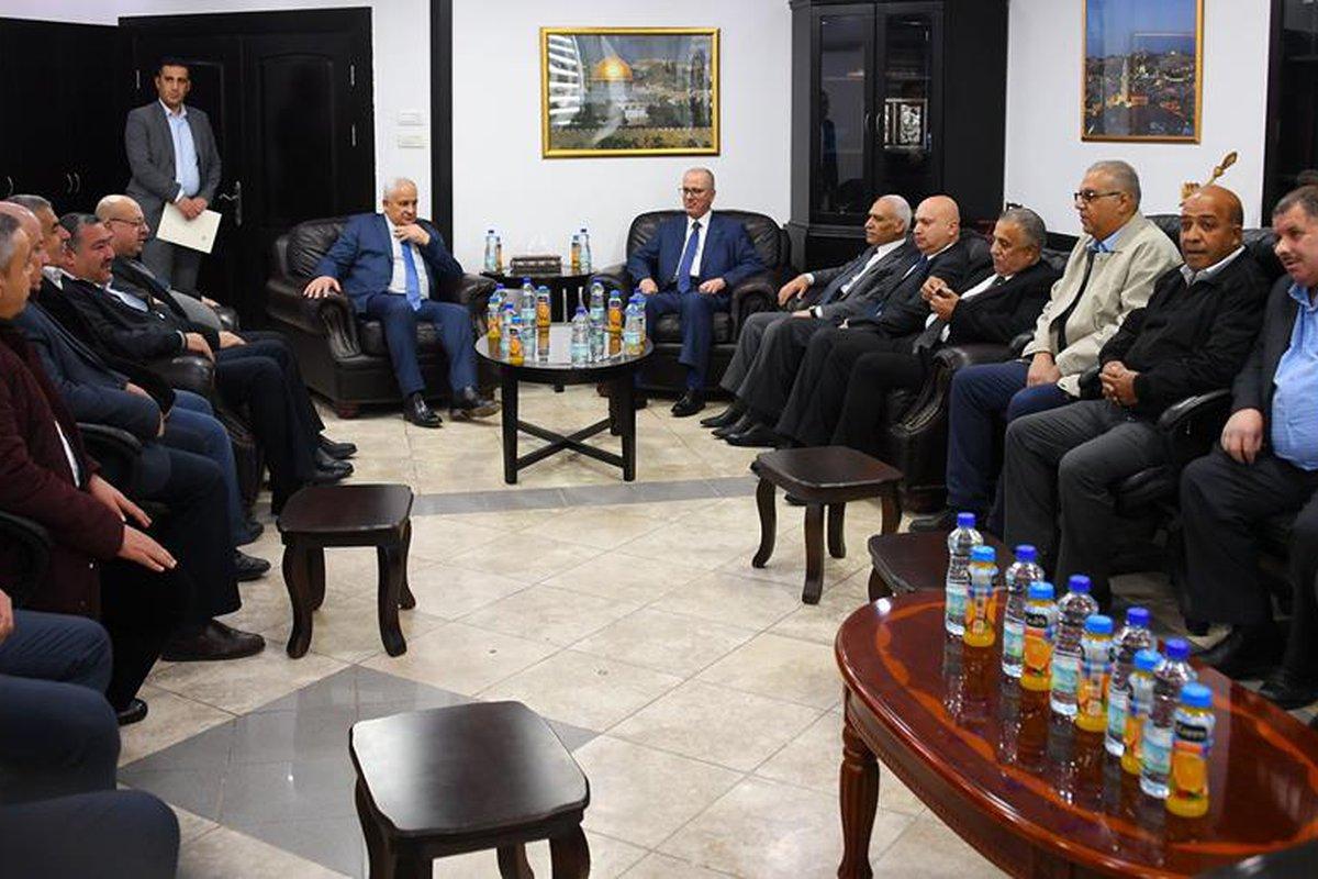 رئيس الوزراء د. رامي الحمدالله يزور مقري الأمن الوقائي والاستخبارات العسكرية