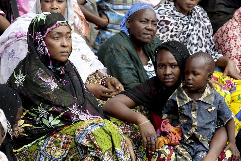 المرأة السودانية حاضرة في المشهد السياسي والشعبي