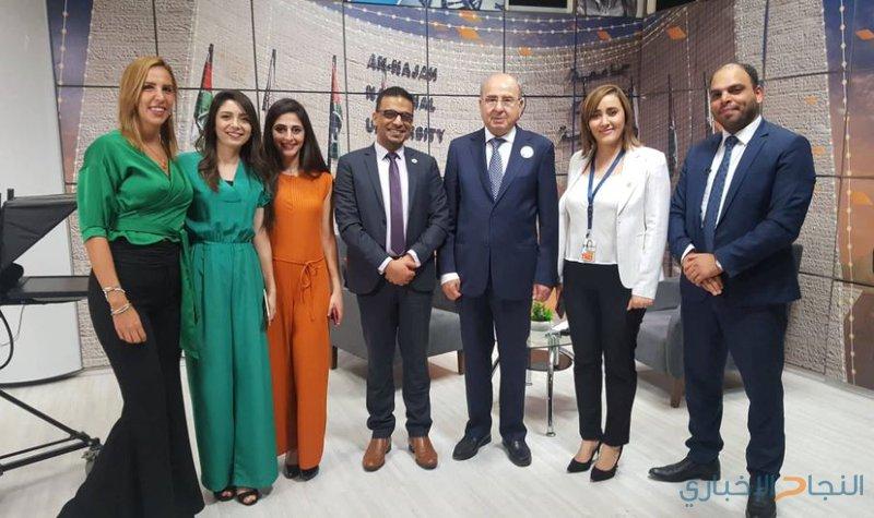 شخصيات فلسطينية وعربية تزور مركز الإعلام