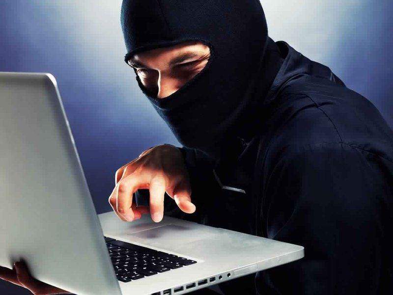 الشرطة تكشف ملابسات جريمة ابتزاز الكتروني