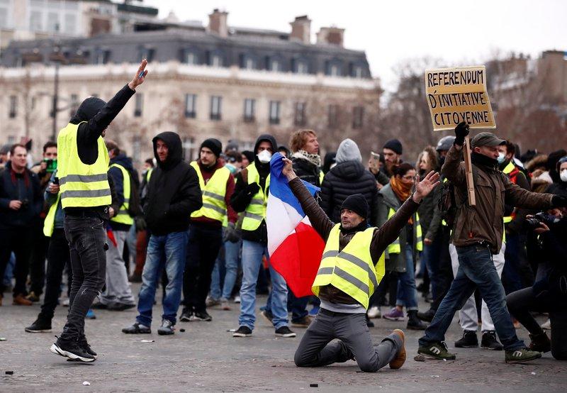 تجدد التظاهرات في باريس والحكومة تتوعد