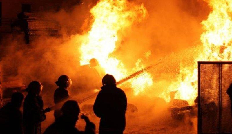 مصرع طفلة وإصابة أشقائها بحريق داخل منزلهم في الخليل