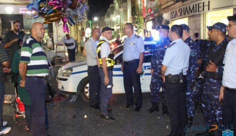 """سائق """"ونش"""" يحاول دهس أفراد من الشرطة الفلسطينية"""