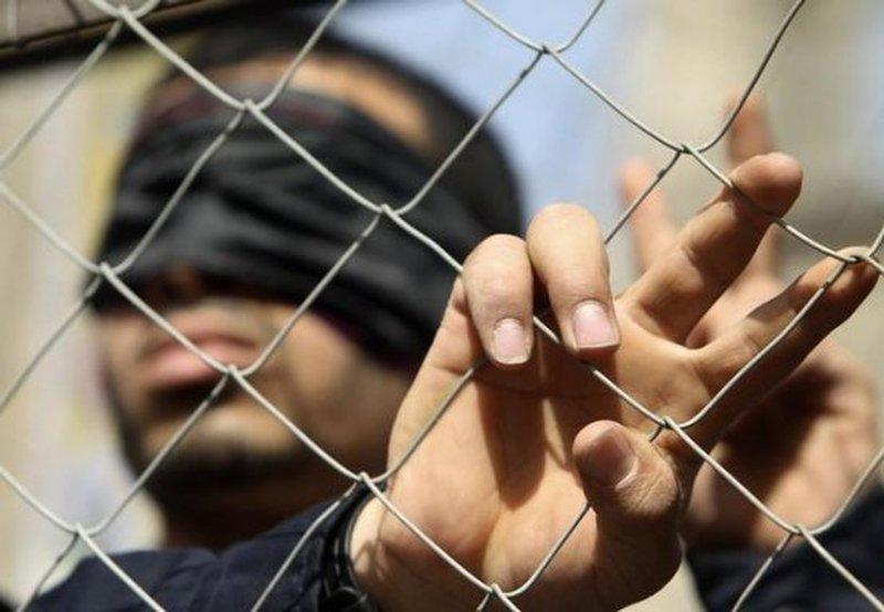 الاحتلال يصدر 38 أمر اعتقال إداري بحقّ أسرى