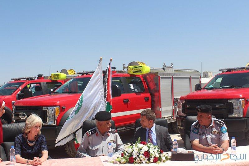 الدّفاع المدني يتسلّم ستّ مركبات إنقاذ ومعداتٍ لوحدة الإعلام