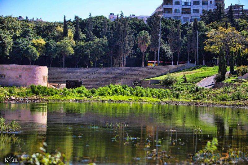 """نابلس: """"أرض المعارض"""" منتقدون كثر والبلدية توضح!"""