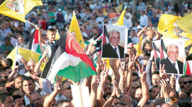 مسيرة حاشدة دعما للرئيس في قلقيلية