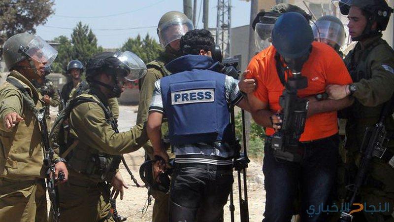 الاحتلال يحتجز عدداً من الصحفيين على مدخل قرية كفر قدوم