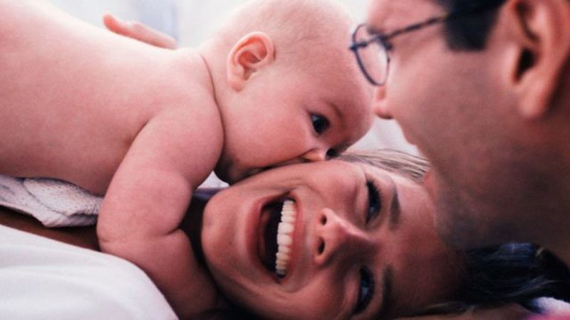 الرضاعة الطبيعية في الساعات الأولى تقي من الوفاة المبكرة