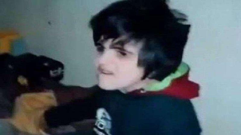 فضيحة تهز لبنان.. أب يسجن طفله 20 عاما في قبو مظلم!