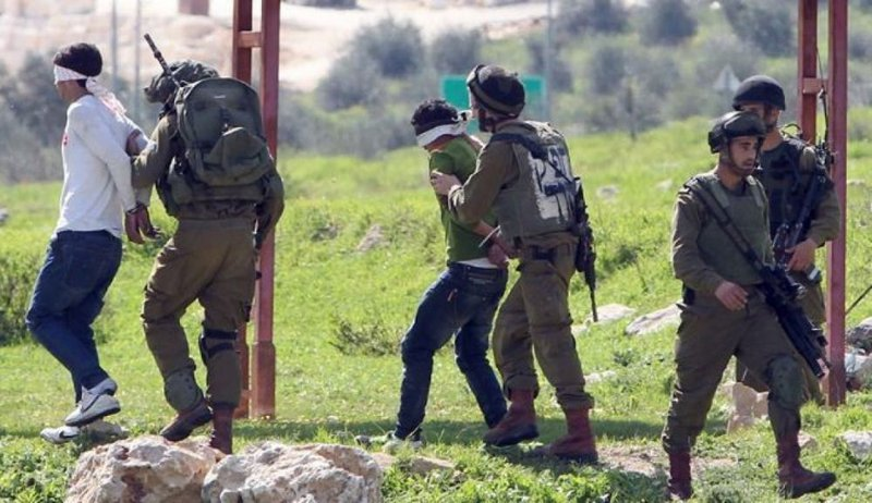 الاحتلال يعتقل 21 فلسطينيا خلال حملة مداهمات في الضفة