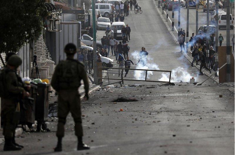 إصابات بالرصاص المطاطي في بيت سيرا غرب رام الله