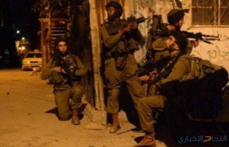 حملة اعتقالات تطال (15) شابًا في الضفة والقدس