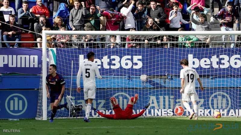ريال مدريد يتلقى أول صفعة تحت قيادة سولاري