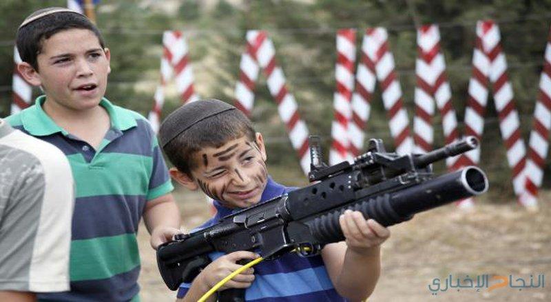ارتفاع عدد الإسرائيليين المقبلين على السلاح