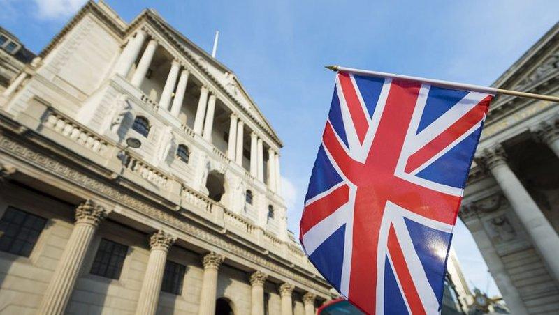 بنك انجلترا المركزي يخفض توقعاته لنمو اقتصاد بريطانيا