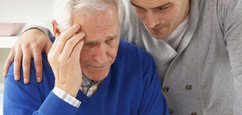 دراسة: إصابة الجد بالزهايمر يزيد خطر إصابة الحفيد بالمرض