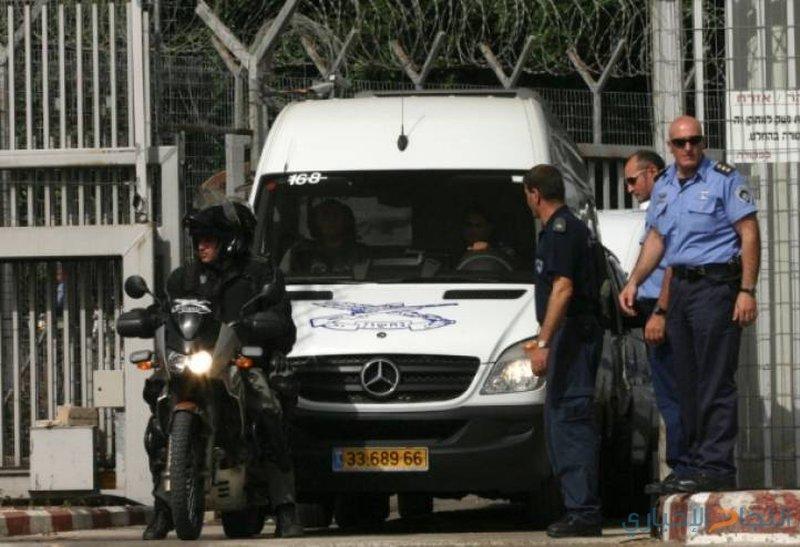 الاحتلال يقرر الافراج عن محافظ القدس و9 من فتح