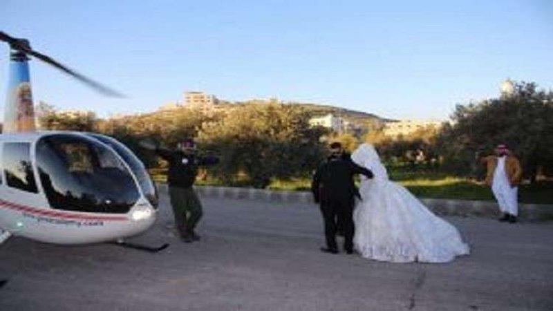 أردني يزف عروسه بهليكوبتر