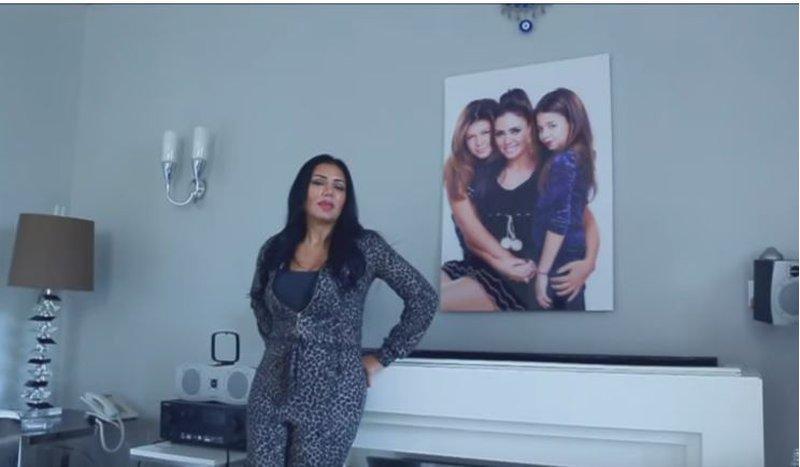 """رانيا يوسف : """"مش بحب أعرض صور بناتى بخاف يتحسدوا"""""""