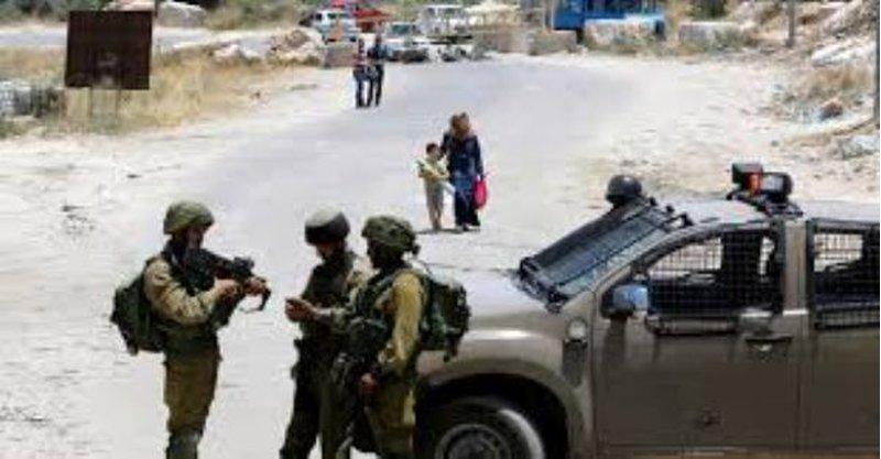 قوات الاحتلال تستولي على مركبة جنوب نابلس