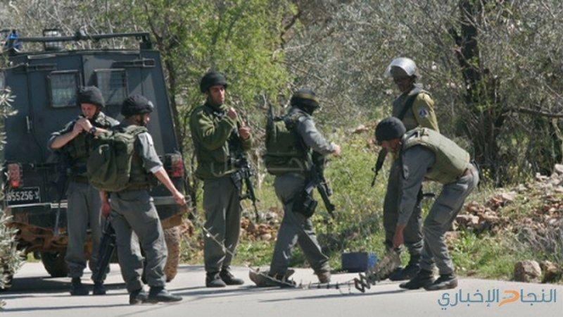 """الاحتلال يغلق طريق """"بئر السبع"""" وسط الخليل"""