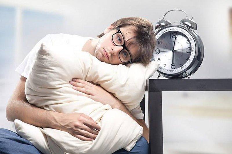 دراسة تحذر: قلة النوم قد تتحول لأزمة اجتماعية