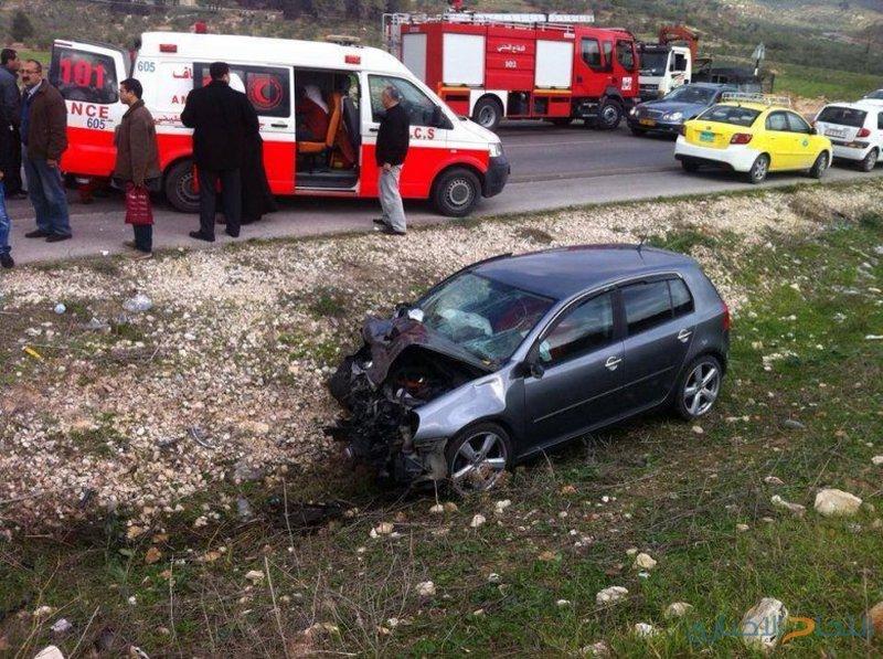 5 إصابات بحادث تصادم بين 3 مركبات جنوب جنين