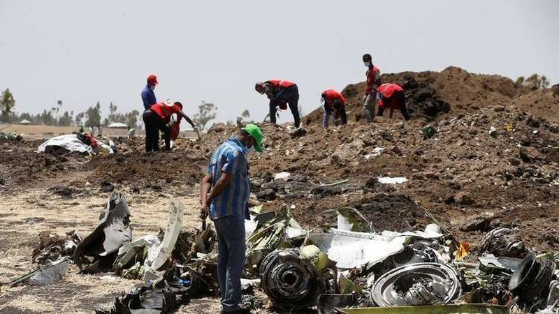 استخراج شفرة التسجيل الصوتي للطائرة الإثيوبية المنكوبة