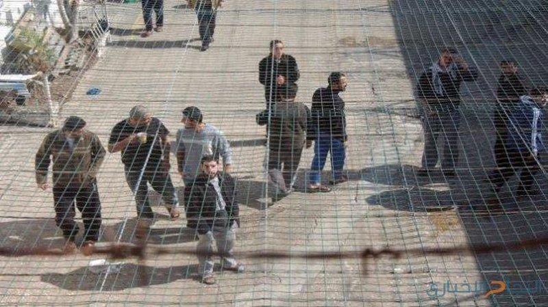 """أسرى """"رامون"""" يخوضون خطوات احتجاجية دعماً للأسيرات"""