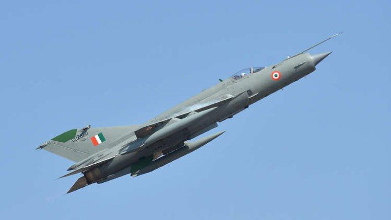 تحطم مقاتلة هندية في ولاية حدودية مع باكستان