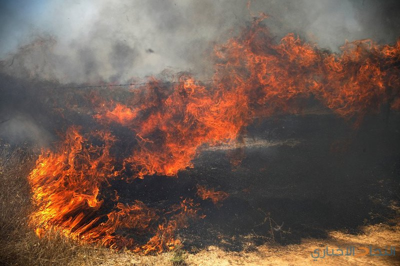 """سبع حرائق في """"غلاف غزة"""" بفعل بالونات حارقة"""