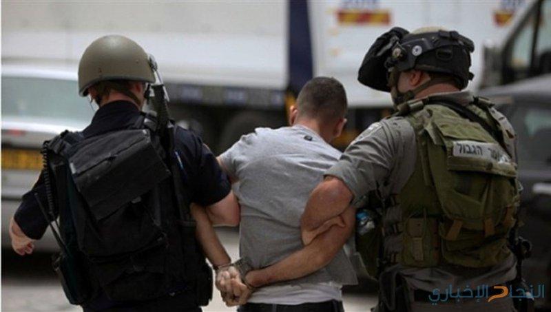 الاحتلال يعتقل شابا من بلدة رامين على معبر الكرامة