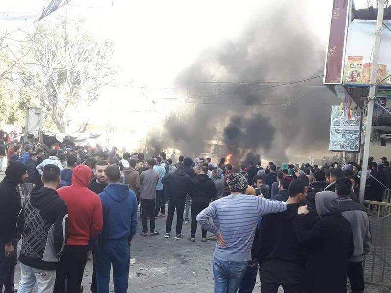 الحراك الشبابي يدعو إلى استمرار الاحتجاجات في قطاع غزة